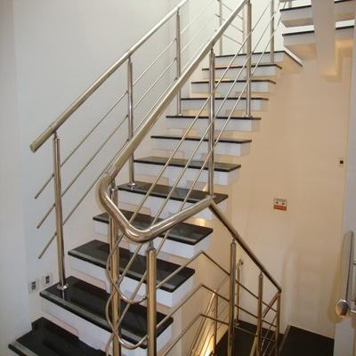 Escada Preto São Gabriel
